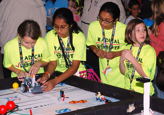 Thirty-Eight Teams Take Part in FIRST LEGO League Practice Round to Prepare For Upcoming Tournament